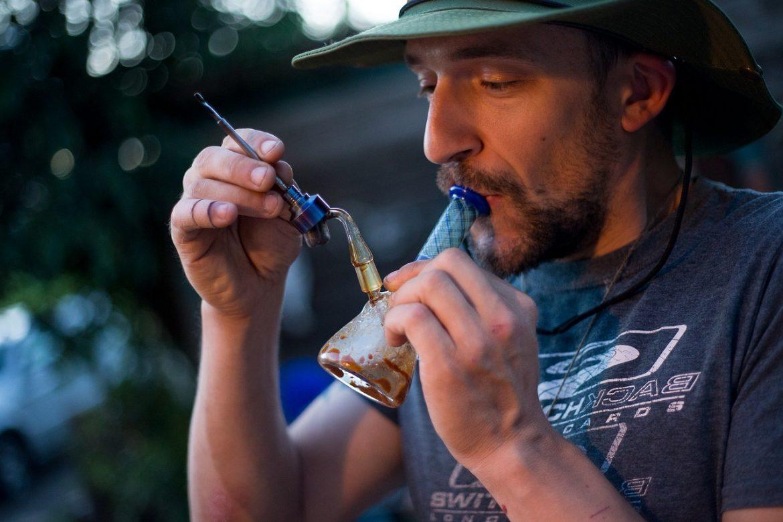 Comment doser le cannabis sous ses différentes formes?